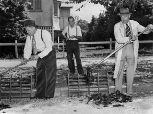 Police-investigators-at-the-Betty-Shanks-murder-scene-Brisbane-1952